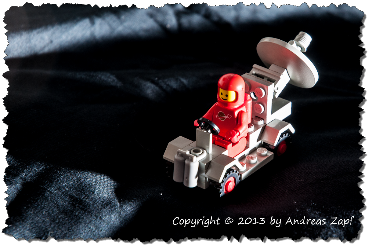 LEGO 0889 with Red Astronaut